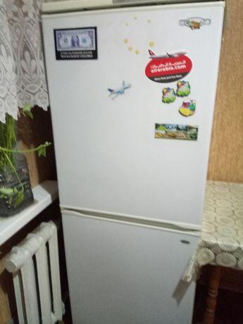Продам б/у холодильник Веко