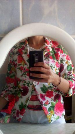 Страхотно цветно сако