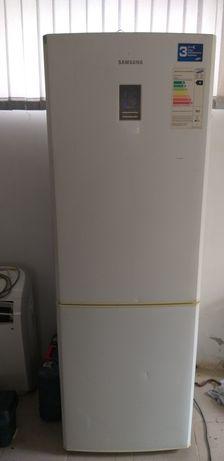 холодилник сатылады жаксы жагдайда   таза  жаксы жасап тур келип каран