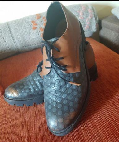 Pantofi marca papucei