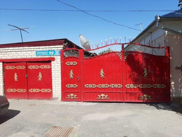 Срочно продается дом в центре города по улице Желтоксан либо обмен