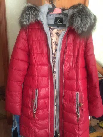 Продам женскую шикарную куртку, мех натуральный,50-52 размера