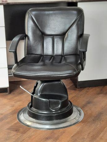Продам кресло для парикмахера