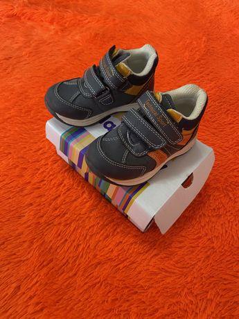 Детские ботинки осеннии в отличном состоянии