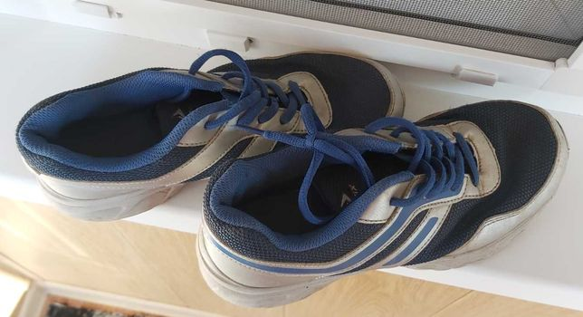 Продам кроссовки Demix