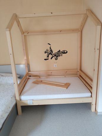 Легло къщичка тип Монтесори