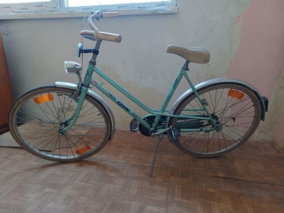 Ретро дамски велосипед