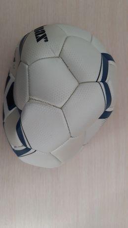 Футбольный мяч для тренировки