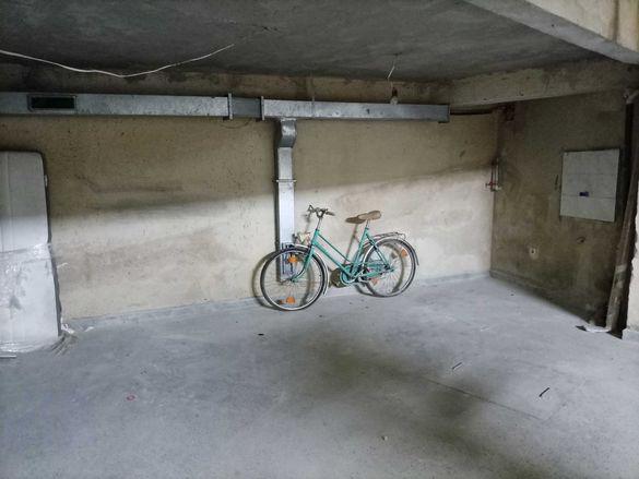 Подземно парко място ЖК Чайка