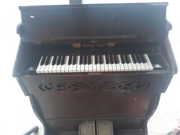 Harmoniu orga pian vechime 100 ani