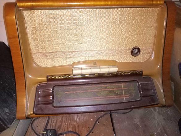 Радиограмофон-  модел от 1951 год.  старо радио