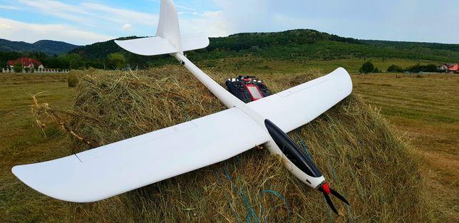 Motoplanor avion Phoenix 1600 V2 ptr incepatori si avansati