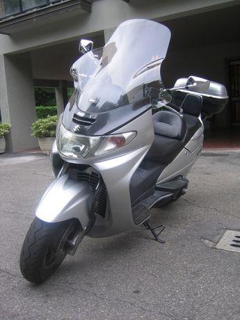 Suzuki Burgman argintiu 250cc an 2000 cadru cu acte valbile de Romania
