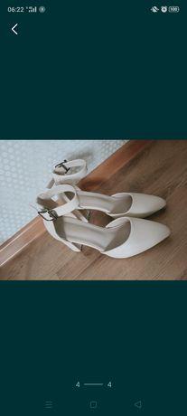Женская обувь. KABEENA