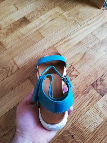 Нови сандали 37 номер