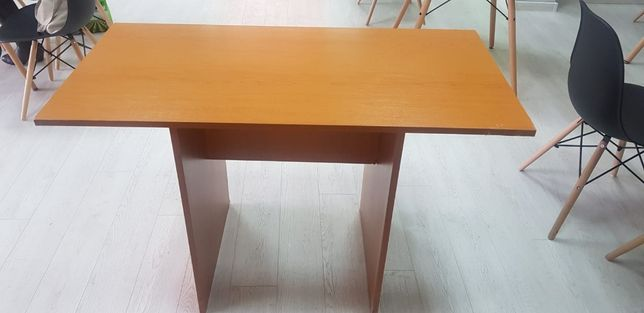 Birouri pal, Mobilier, masa calculator, birou cu dulap.