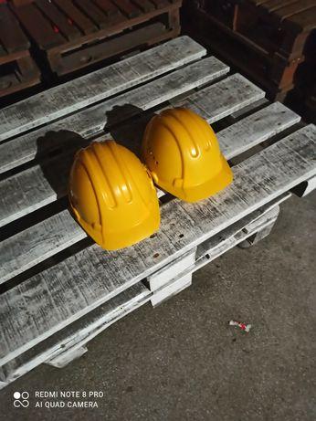 строителни каски 2бр.