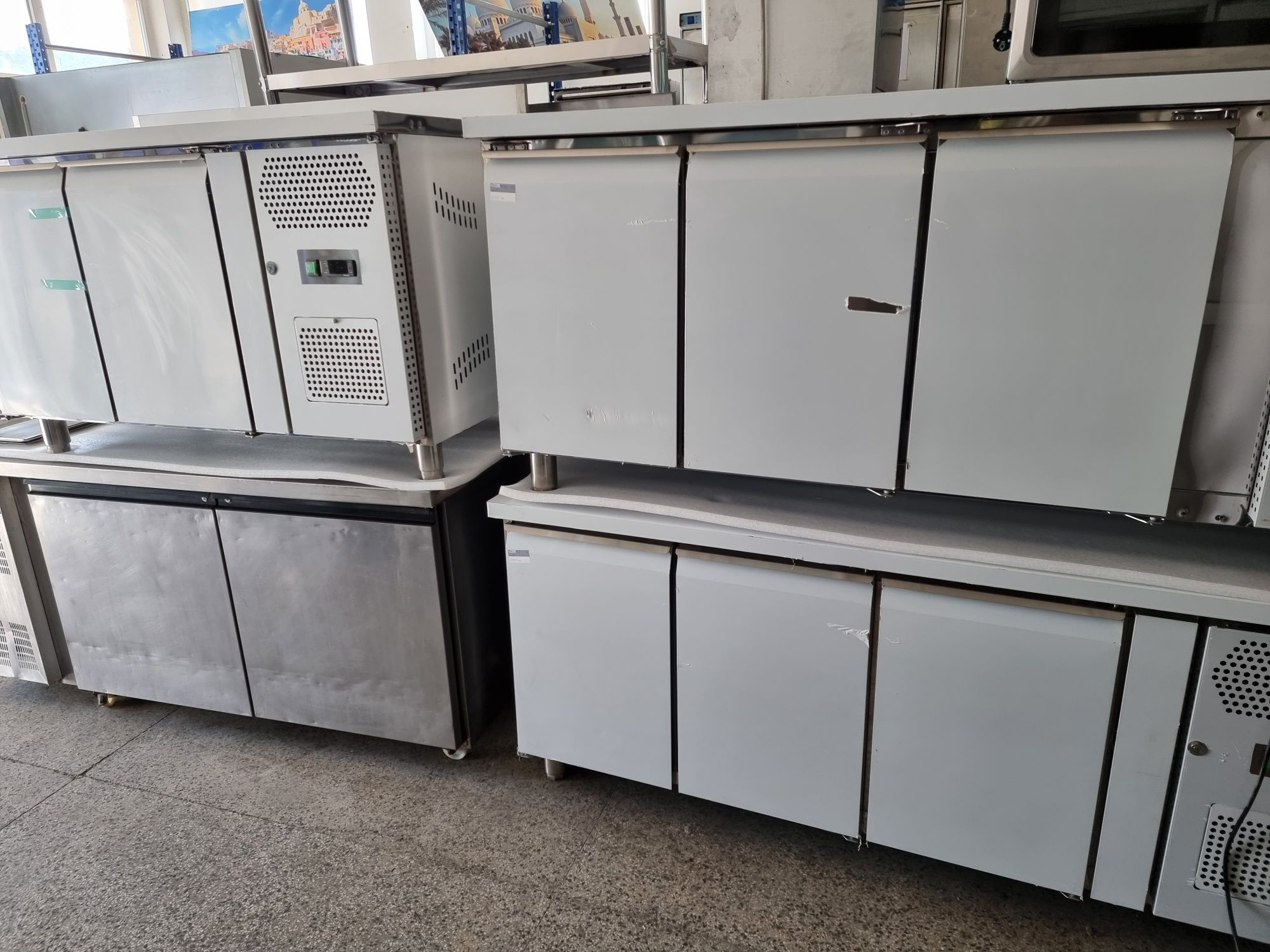 Нови хладилни маси 3бр,по 3500лв,с 3врати