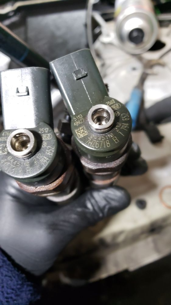 Dezmembrari Bmw E60 Injectoare Injector 530D 525D Pompa Servofrana Abs