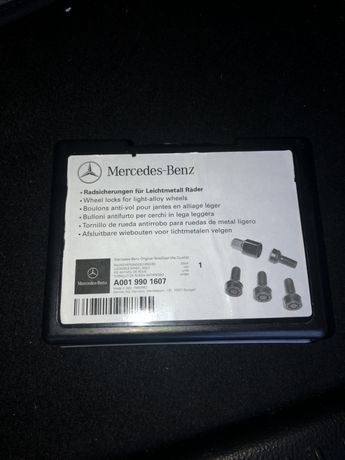 Секретни болтове за Mercedes Benz