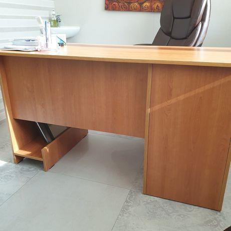 Продам стол офисный