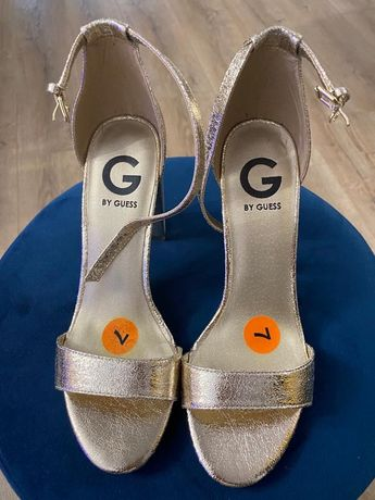 Vand sandale Guess