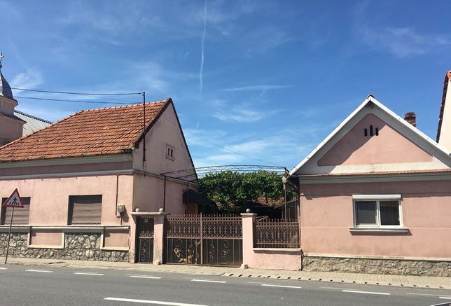 Casa de vanzare cu teren in satul Tinaud sau schimb cu apartament