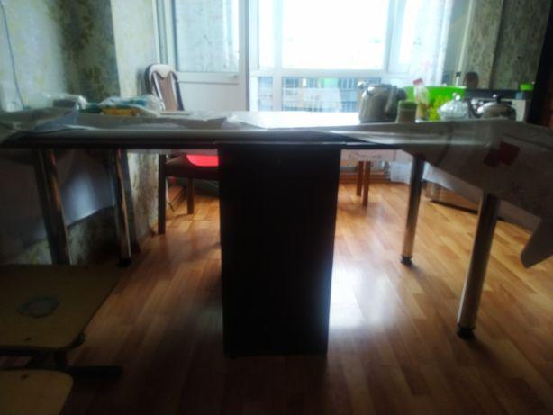 Продам книжный стол