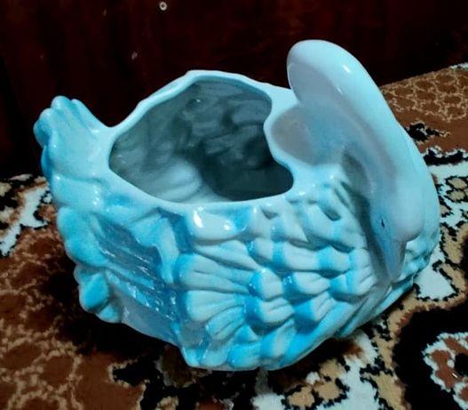 Lebada ghiveci decoratiune ceramica