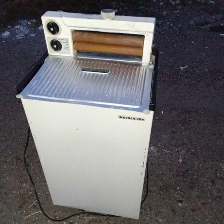 Продам стиральную машину полуавтомат Белка 10М  с ручным отжимом белья