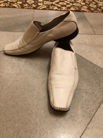 Продавам мъжки бели обувки ALDO номер 42