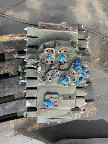 Distribuitor Hidraulic pentru Excavator Liebherr 926 Litronic