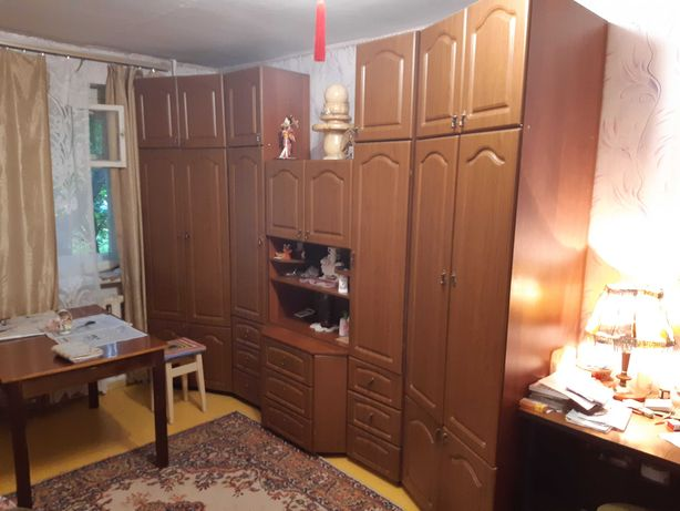 Стенка для зала или комнаты: 90 000ТГ , торг уместен.