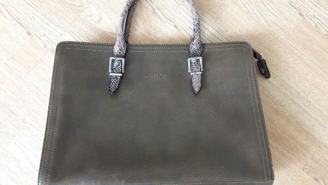 Продаю кожанную сумку