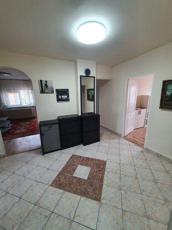Apartament de închiriat, 4 camere, ultracentral!!!