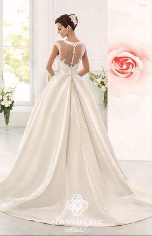 Продам свадебное платье, цвет айвори, размер 40-42, состояние отличное