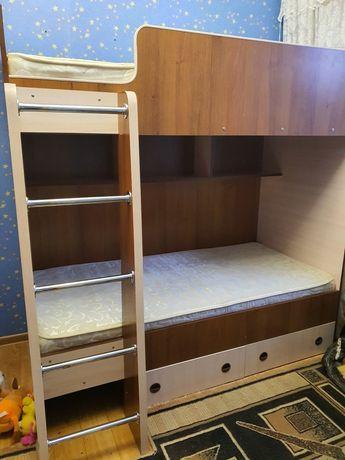 Продаётся двухярусная кровать
