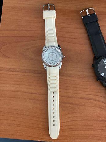 Комплект часовници