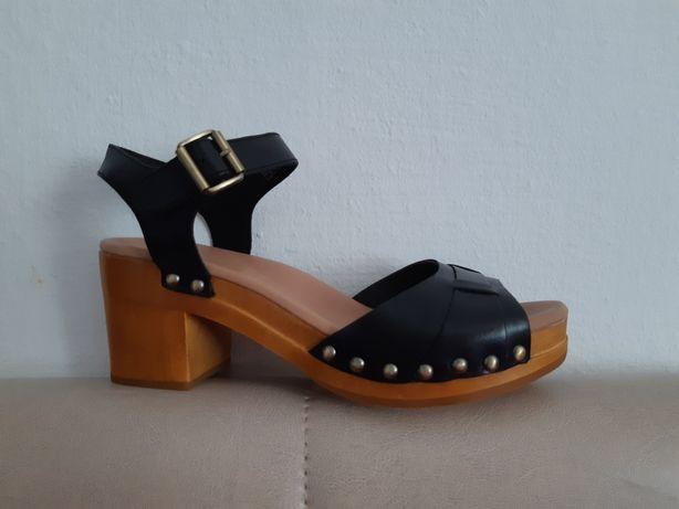 Sandale UGG,piele noi