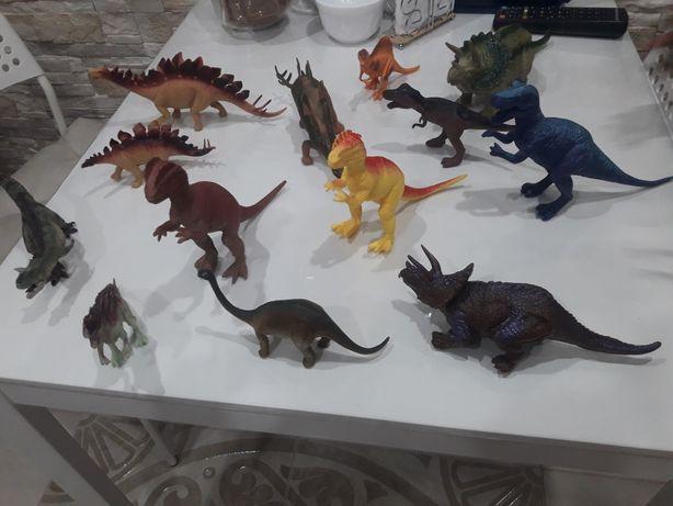 Продам коллекцию лучших динозавров
