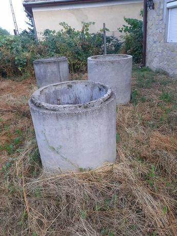 Tuburi de beton pentru fântâna