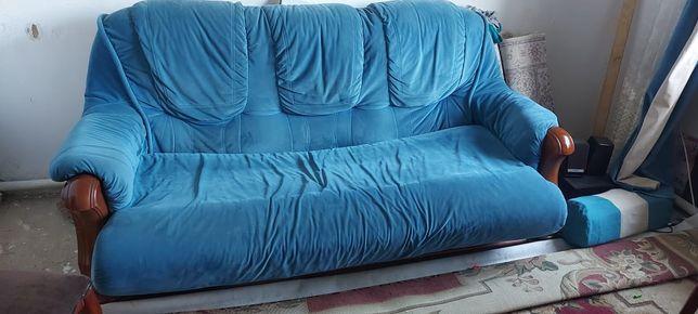 Продам 2 дивана и кресло