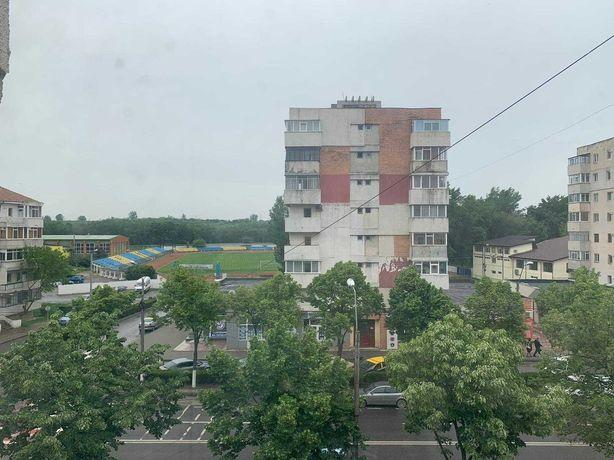 Apartament 4 camere stadionul municipal Bd. Matei Basarab