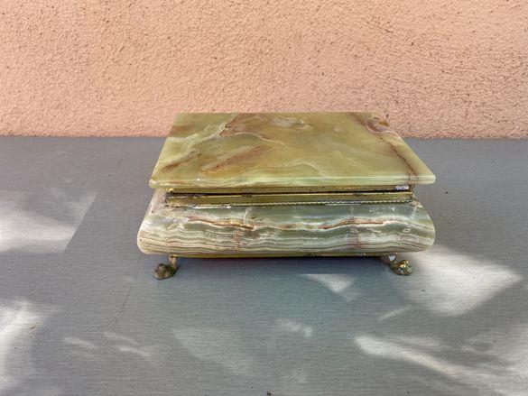 Италианска кутия за бижута от оникс