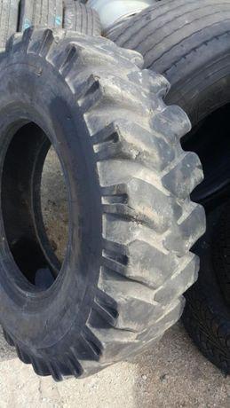 гуми за багер