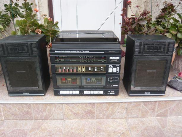 Combina muzicala Recor, amplificator, pickup, radio, dublucas, boxe