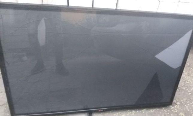 Плазма LG рабочий,127 см,2014 год,экран треснул,можно на з/ч.