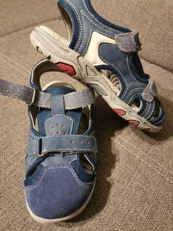 Sandale noi, mărimea 35.