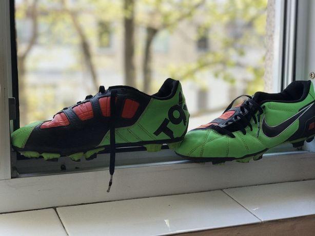 Vand adidasi Nike T90 originali