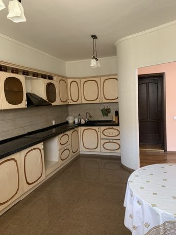 Продам 2х этажный дом Астана, 10 соток, 250кв м